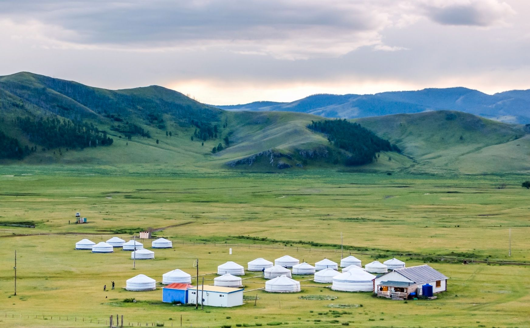 Yourte sur steppes - Mongolie ©Istock