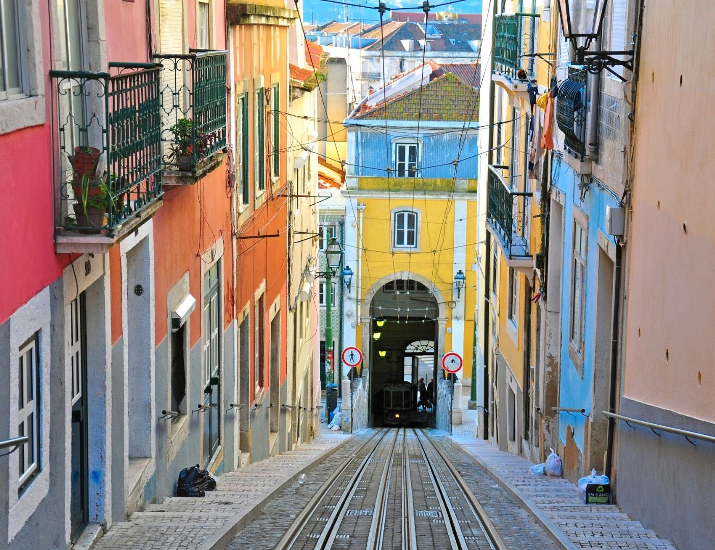Funiculaire, Lisbonne - Portugal ©Istock