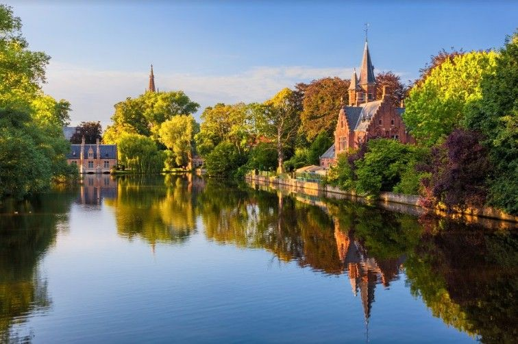 Minnewater à Bruges ©iStock
